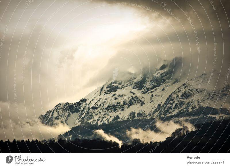 into the mountains... Natur grün Wolken Umwelt Landschaft Berge u. Gebirge grau Stein träumen Stimmung braun Wind ästhetisch bedrohlich Urelemente Alpen