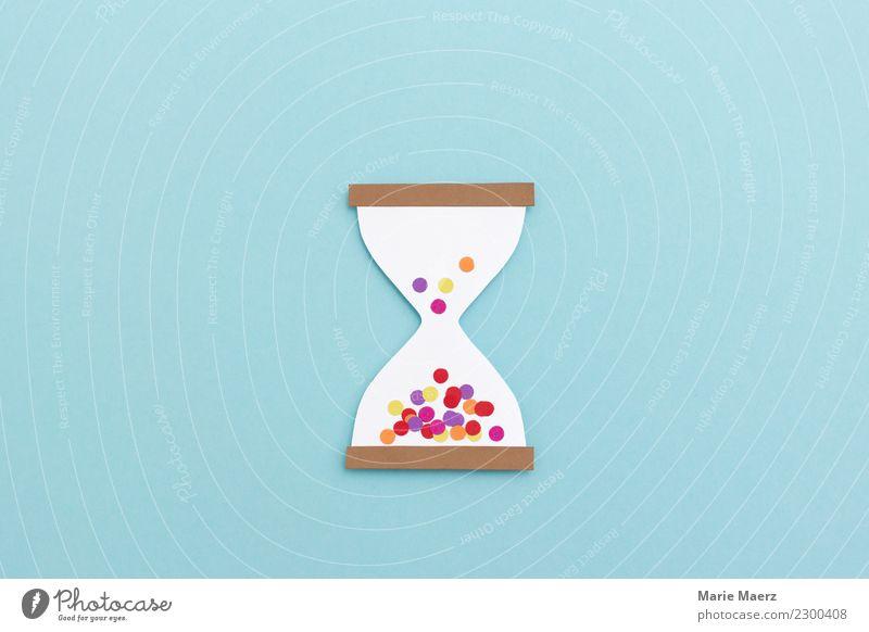 Konfetti Sanduhr - Zeit fliegt when you're having fun Lifestyle Freude Erholung Freizeit & Hobby Uhr Feste & Feiern lachen machen träumen warten ästhetisch