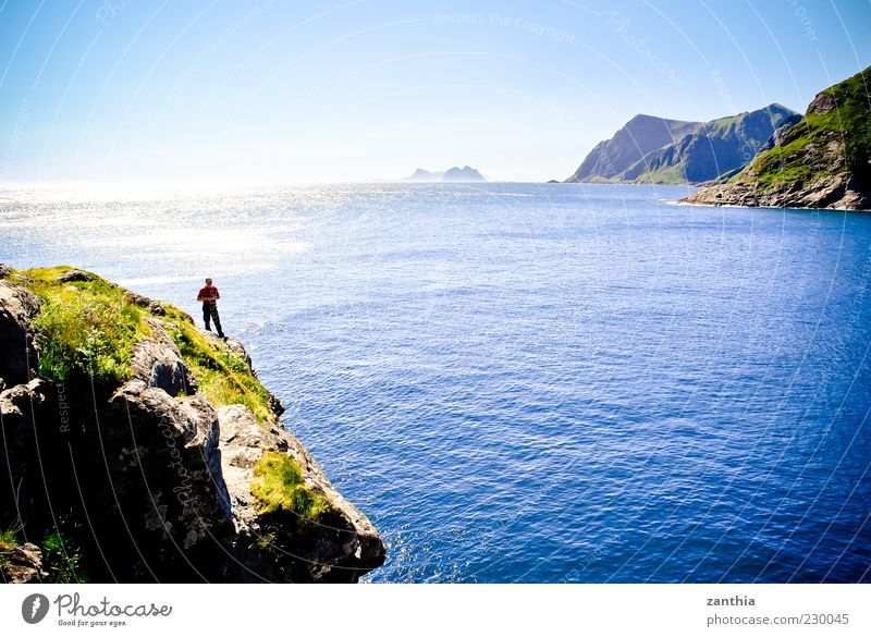 Atlantik Landschaft Wasser Himmel Wolkenloser Himmel Sonnenlicht Sommer Schönes Wetter Küste Bucht Nordsee Meer blau Norwegen Skandinavien Norwegenurlaub Insel