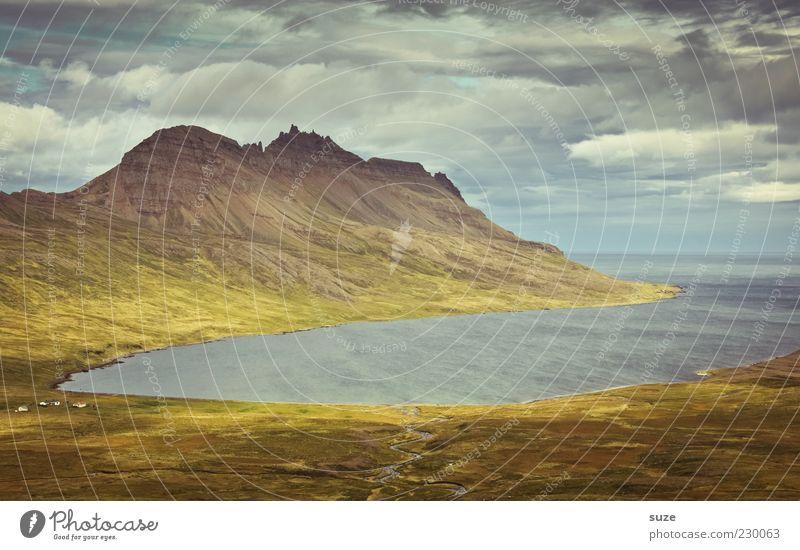 Die Bucht Meer Berge u. Gebirge Umwelt Natur Landschaft Himmel Wolken Klima Wetter Wiese Küste außergewöhnlich fantastisch Ziel Island Tal traumhaft Farbfoto