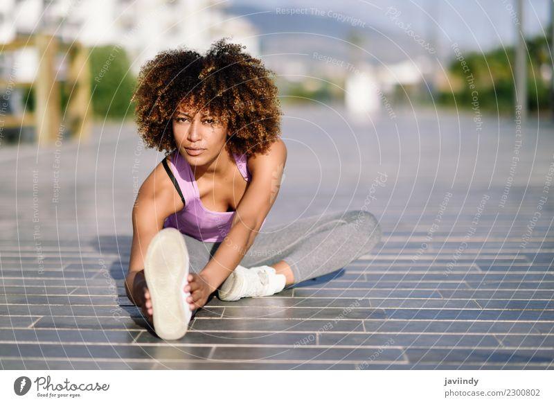 Frau Mensch Jugendliche Junge Frau schön 18-30 Jahre schwarz Erwachsene Straße Lifestyle Sport Haare & Frisuren Freizeit & Hobby Fitness Wellness sportlich