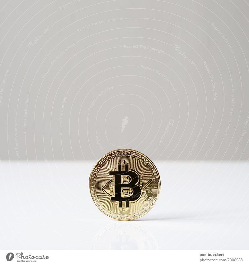 Bitcoin Münze Wirtschaft Handel Kapitalwirtschaft Börse Business Fortschritt Zukunft Informationstechnologie Internet trendy Kryptowährung Medienrummel
