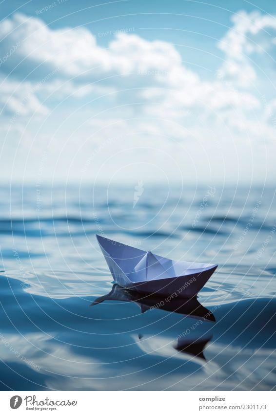 Papierschiff in den Wellen Ferien & Urlaub & Reisen Sommer Sonne Meer Erholung ruhig Ferne Strand Reisefotografie Küste Tourismus Schule Freiheit