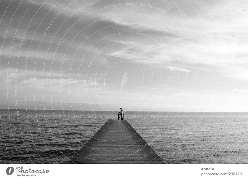 eine Ewigkeit Mensch Himmel Natur Wasser Meer Ferne Landschaft Glück Freundschaft Kindheit Horizont maskulin Wachstum Team Unendlichkeit berühren