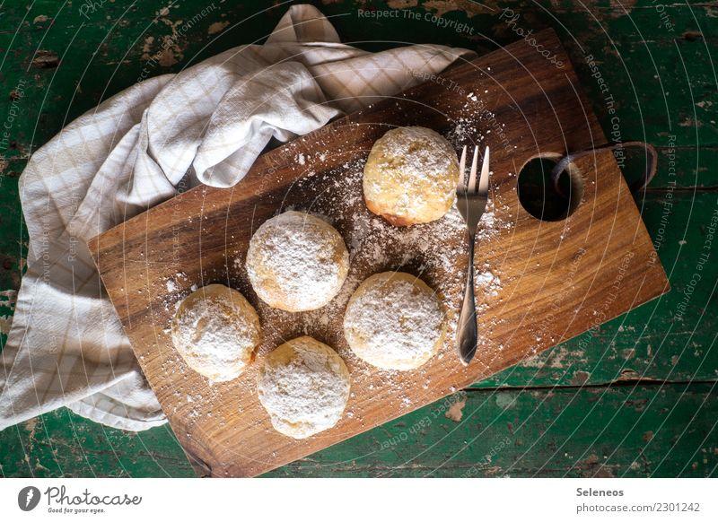 süße Runde Lebensmittel Teigwaren Backwaren Süßwaren Krapfen Ernährung Essen Kaffeetrinken genießen backen Zucker Puderzucker Farbfoto Innenaufnahme