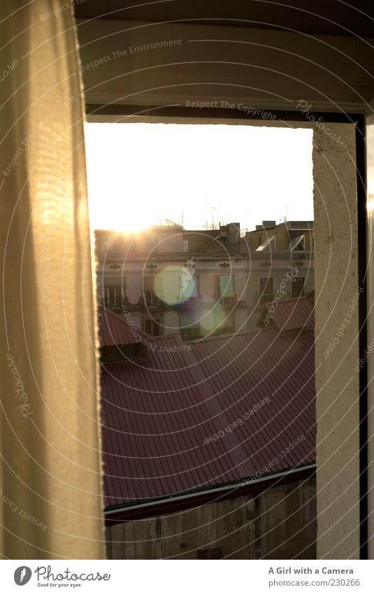 this is my world, this is your world Stadt Haus Fenster Wand Gebäude Mauer Horizont gold Fassade leuchten Dach Bauwerk Idylle Balkon Vorhang Spanien