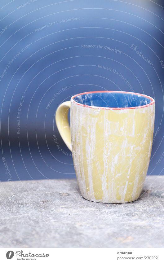Inhalt? blau gelb dreckig leer Dinge Geschirr Tasse Becher voll Gefäße getrocknet Inhalt