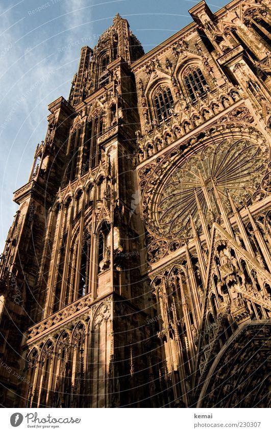 Straßburger Münster alt Architektur Gebäude Religion & Glaube hell Fassade hoch groß Kirche Bauwerk Wahrzeichen Sehenswürdigkeit Christentum Altstadt Kathedrale