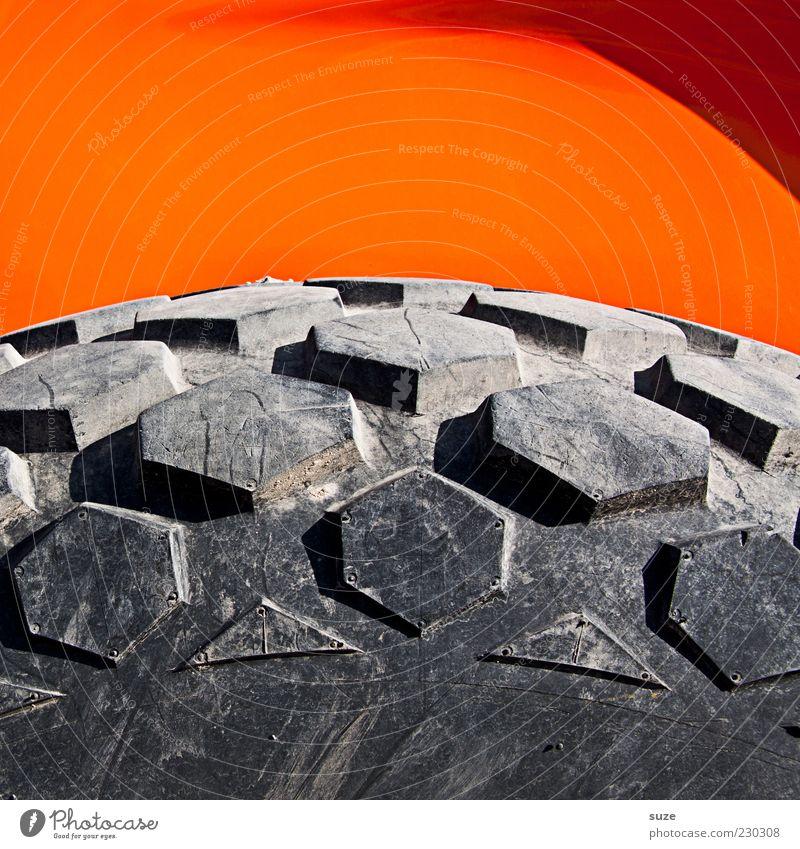 Bild mit Profil Baustelle einfach rund grau orange Reifen Reifenprofil Rad Gummi groß Baufahrzeug Farbfoto mehrfarbig Außenaufnahme Nahaufnahme Detailaufnahme