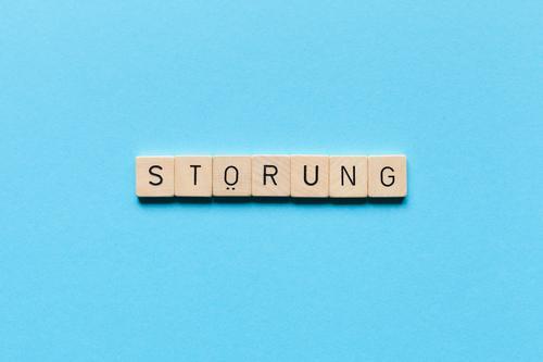 St*rung Spielen Schriftzeichen außergewöhnlich blau Zukunftsangst gefährlich Stress Nervosität verstört Ärger gereizt Frustration einzigartig bedrohlich