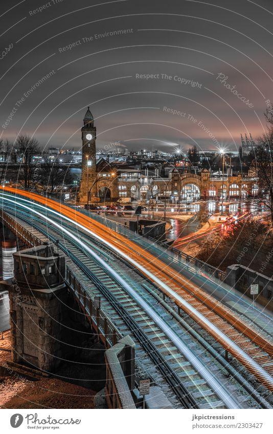 Hamburg Landungsbrücken U-Bahn Lichtspuren Europa Deutschland Elbe Stadt Hafen Wasser Kanal Winter Industrie Wolken Himmel Schnee nass Wasserfahrzeug Steg kalt