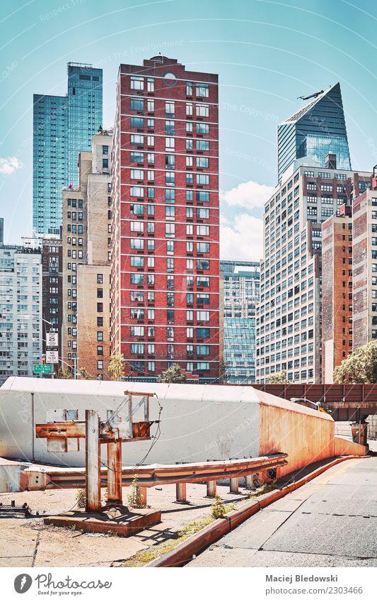 Retro stilisiertes Bild von New York Gebäuden. Stadt Haus Straße Architektur Häusliches Leben Wohnung Büro Hochhaus authentisch USA einzigartig
