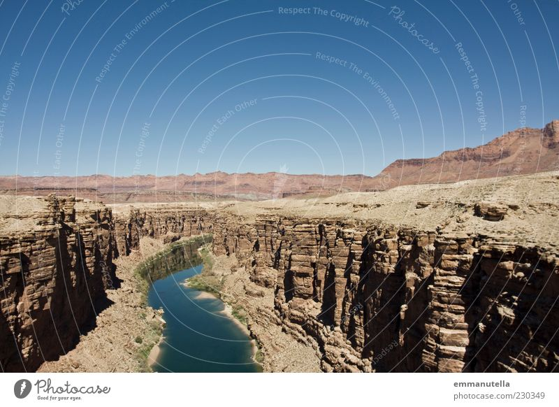 Canyon Himmel Landschaft Umwelt Klima Fluss Urelemente USA Wüste Berge u. Gebirge Flussufer Schlucht himmelblau Arizona