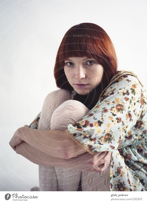 Mensch Jugendliche Erwachsene Gesicht Auge feminin Junge Frau Haare & Frisuren Kopf Beine Mode 18-30 Jahre Angst Haut Mund elegant