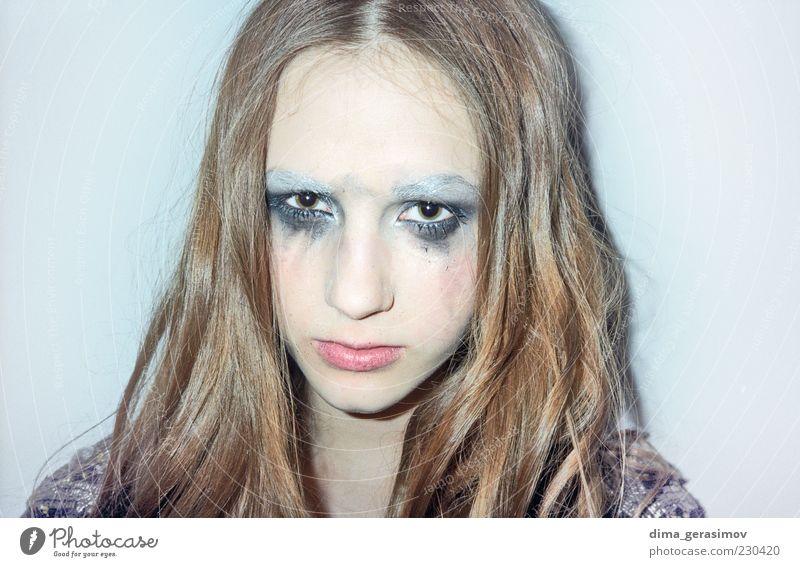 Frau Mensch Jugendliche schön Gesicht Auge Haare & Frisuren Kopf Haut blond Erwachsene Nase Lifestyle dünn einzigartig