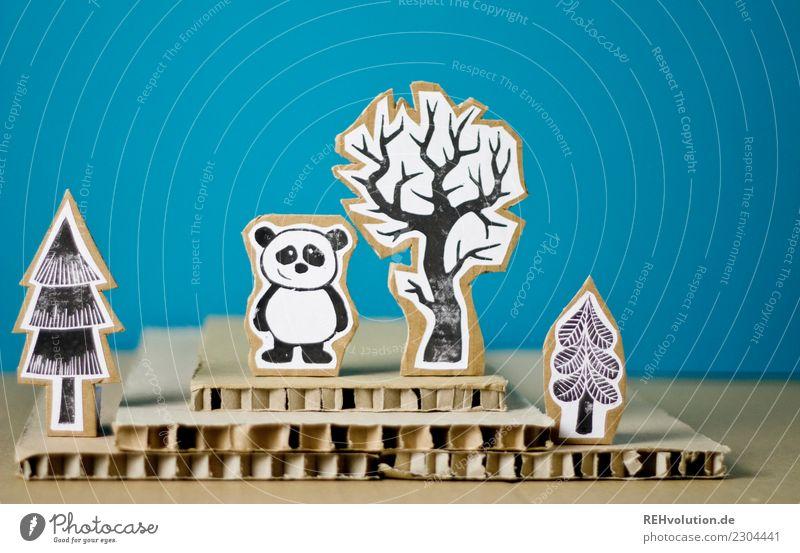 Pappland | Panda Himmel Natur Landschaft Baum Tier Wald Umwelt Glück außergewöhnlich Zufriedenheit Wildtier stehen Kreativität Lächeln Fröhlichkeit einzigartig