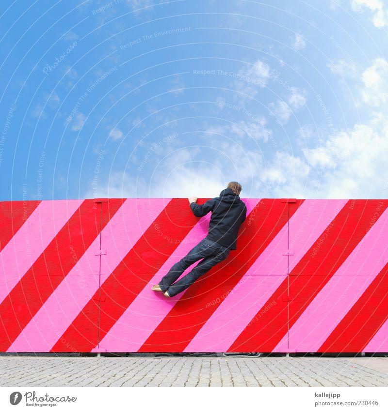blick in die zukunft Mensch maskulin Mann Erwachsene 1 hängen rosa rot Zaun Barriere Klettern Neugier Streifen Linie Richtung Himmel Wolken Aussicht Farbfoto