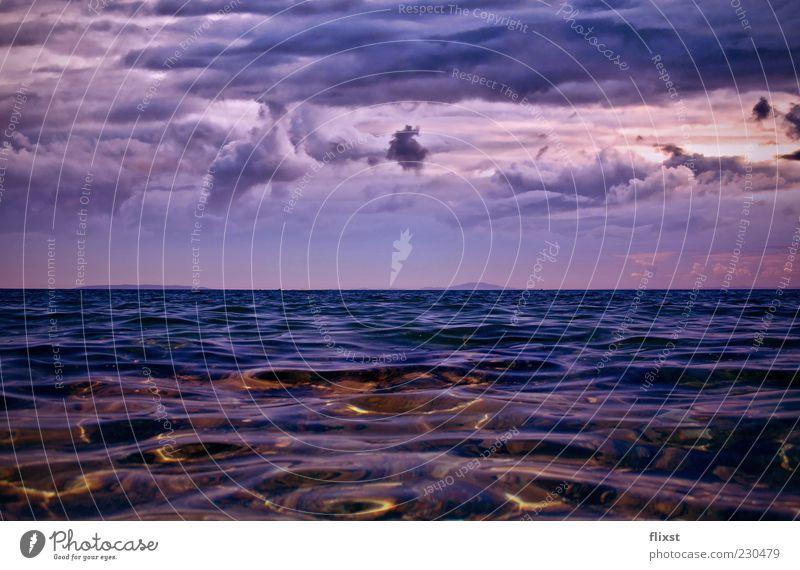 The bitter end Natur Wasser Wolken Gewitterwolken Sommer schlechtes Wetter Küste Meer Traumwelt Farbfoto Außenaufnahme Textfreiraum unten Textfreiraum Mitte Tag