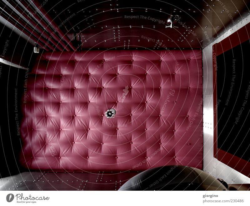 Zellenbett Lifestyle Design Spiegel Ornament Farbe Inspiration Kunst modern Perspektive Stil Farbfoto Innenaufnahme Experiment Menschenleer Tag Licht Schatten