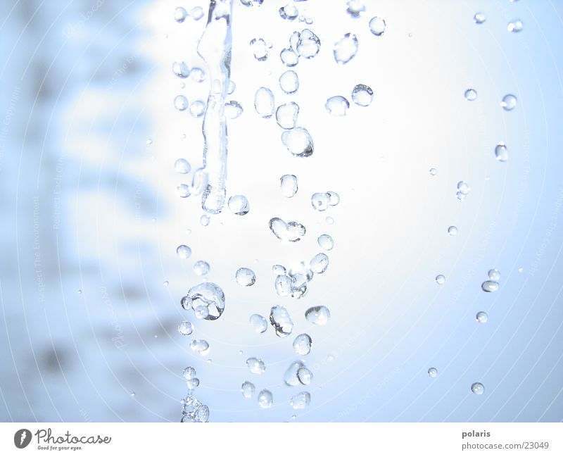 wassertropfen blau Wassertropfen nah Kugel Strahlung Wasserstrahl