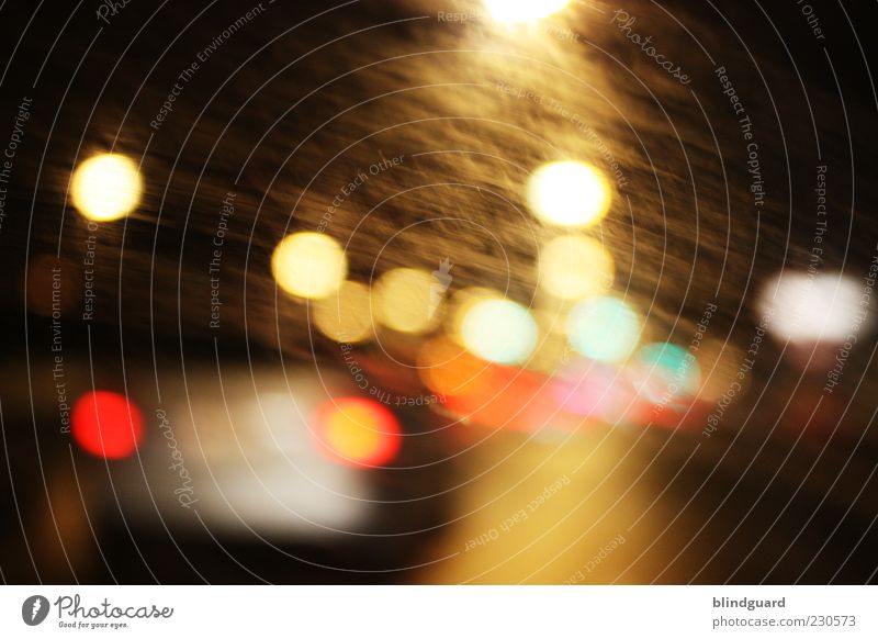Big City Nights blau grün weiß rot schwarz gelb PKW rosa Verkehr Geschwindigkeit fahren Fahrzeug Autofahren Personenverkehr Verkehrsmittel Beleuchtung
