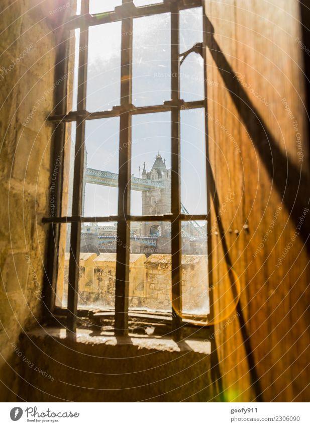Fenster mit Aussicht Ferien & Urlaub & Reisen Stadt schön ruhig Architektur Gebäude Glück Tourismus Ausflug leuchten träumen elegant einzigartig Brücke