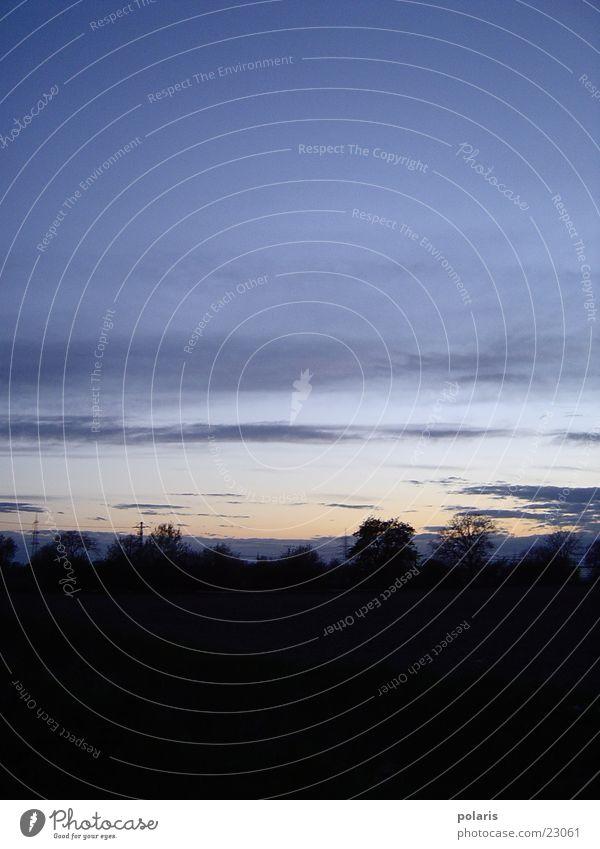 abends Abend Wolken Sonnenuntergang Dämmerung Himmel Kontrast blau