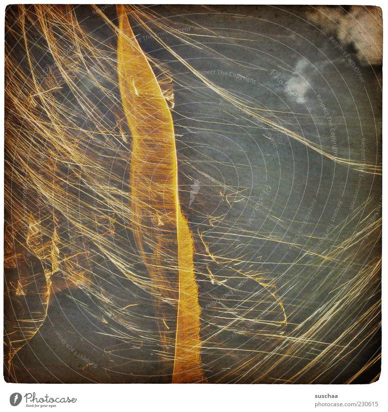 es kracht ... Urelemente Wolken Nachthimmel Linie Streifen hell Gedeckte Farben Außenaufnahme Experiment abstrakt Strukturen & Formen Lichterscheinung