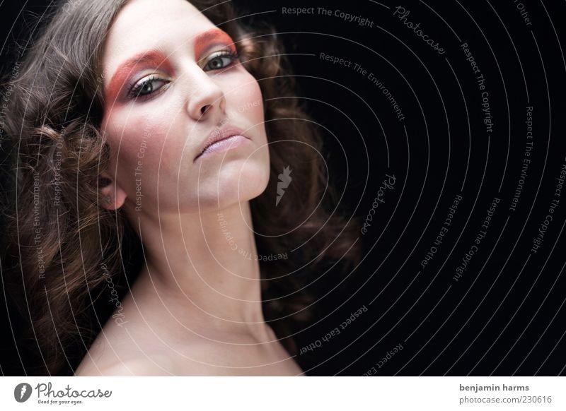Hochmut #1 Mensch feminin Junge Frau Jugendliche 18-30 Jahre Erwachsene ästhetisch elegant schön kalt Gefühle selbstbewußt Erfolg Kraft Willensstärke Macht Mut
