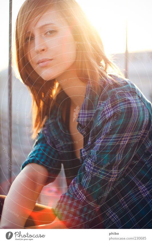 14 Mensch blau Jugendliche schön Sommer ruhig Erwachsene Erholung gelb Leben träumen Mode hell sitzen natürlich
