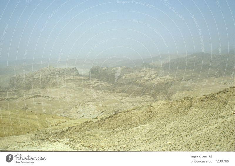 Wüste Negev Sommer ruhig Einsamkeit Ferne Umwelt Landschaft Berge u. Gebirge Freiheit Wege & Pfade Wärme Erde Felsen leer trist Hügel