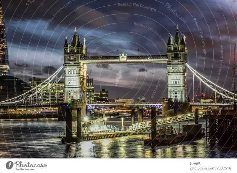 treasure hunt Tourismus Sightseeing Städtereise Architektur London Großbritannien England Europa Stadt Hauptstadt Brücke Bauwerk Sehenswürdigkeit Tower Bridge