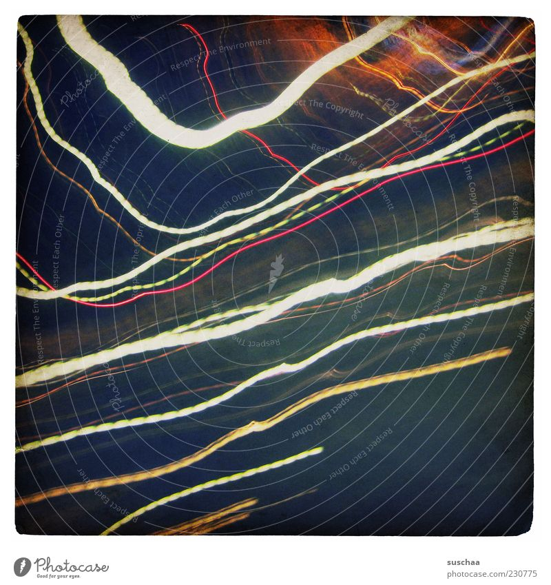 striped blau Lichterscheinung Streifen Linie mehrfarbig Außenaufnahme Experiment abstrakt Menschenleer Nacht Kunstlicht Kontrast leuchten Bewegungsunschärfe