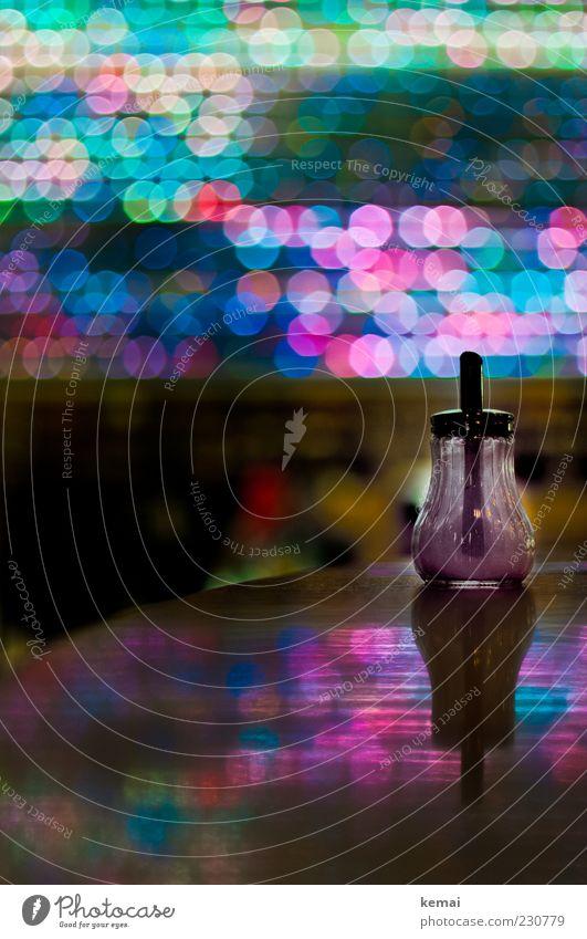 KAmiKAze - Zuckerstreuer Bar glänzend leuchten süß mehrfarbig Leuchtdiode Lichtpunkt Reflexion & Spiegelung Oberfläche Zuckerdose Gastronomie Farbfoto