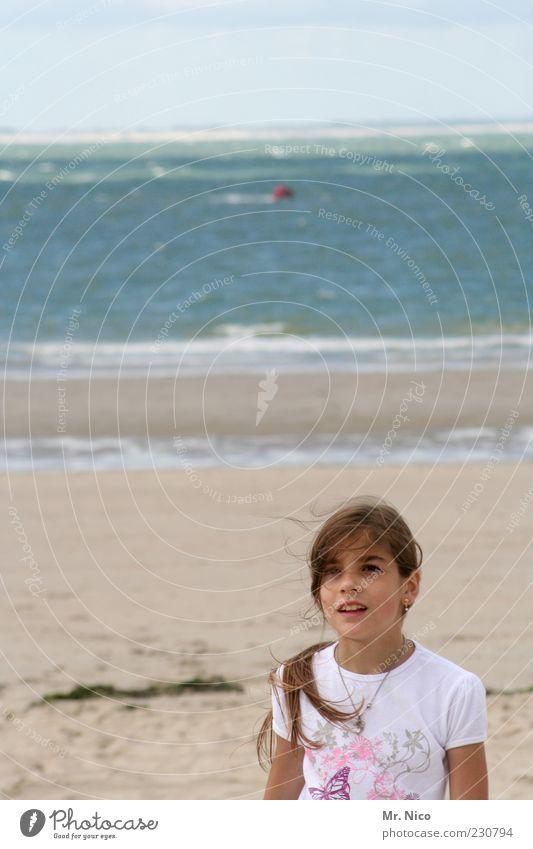mehr meer Natur schön Ferien & Urlaub & Reisen Mädchen Sommer Meer Strand Ferne Umwelt Freiheit Glück Küste hell Horizont Zufriedenheit Wind