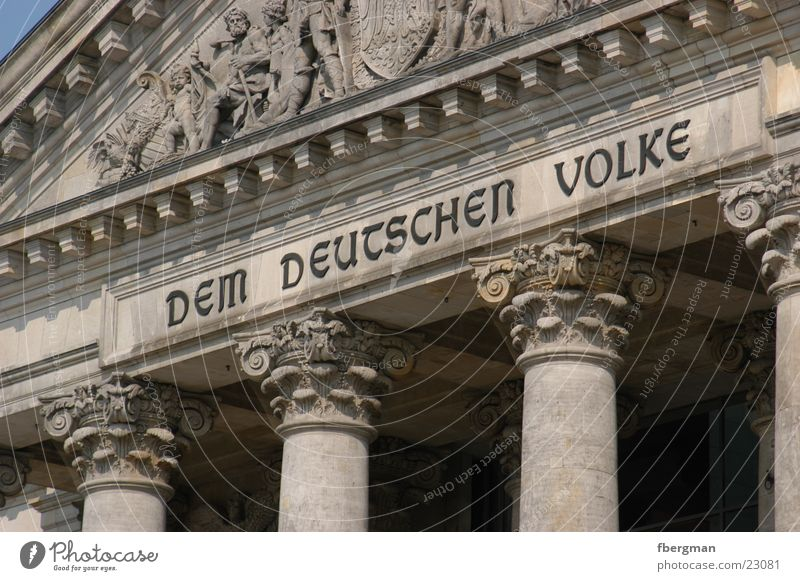 demvolke Portal Dem deutschen Volke Architektur Berlin Deutscher Bundestag Säule Detailaufnahme Wallot Houses of Parliament