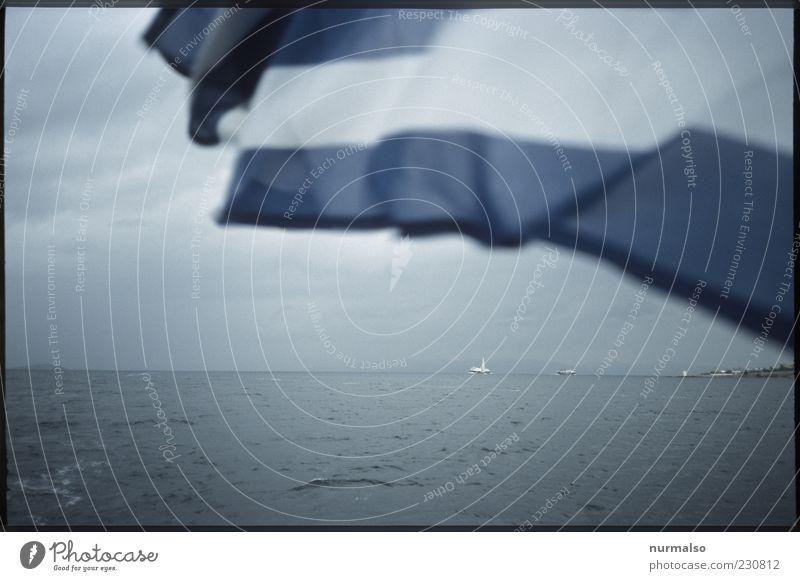grey in greece Natur Wasser Meer Landschaft grau Stimmung Wetter Wellen Insel Klima Lifestyle Fahne Zeichen Schifffahrt wehen Griechenland