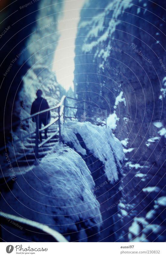 On Her Majesty's Secret Service Schnee Eis gehen Felsen Ausflug Treppe geheimnisvoll Aussicht Treppengeländer aufwärts Erinnerung Gletscher Gletscherspalte Unschärfe Ferien & Urlaub & Reisen
