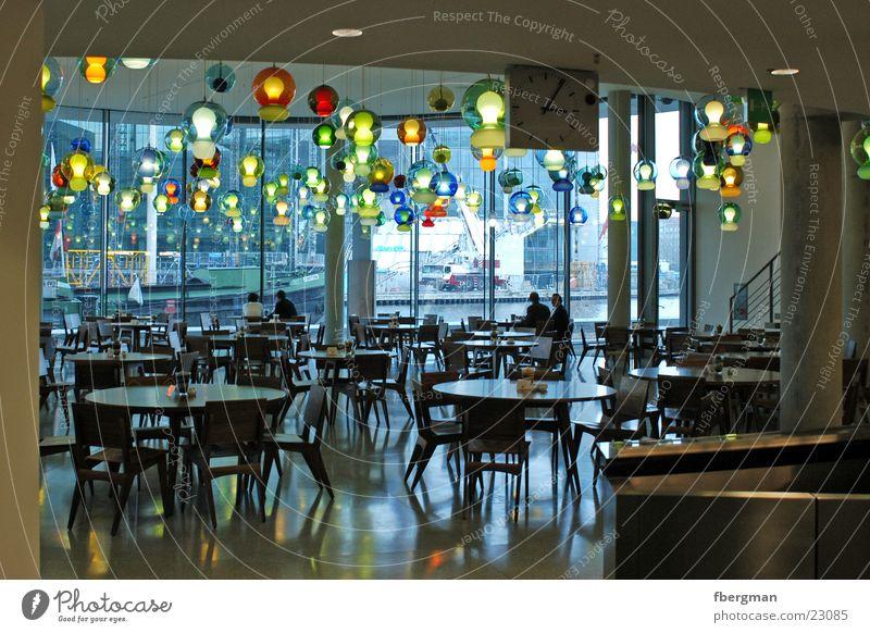 lampenladen Lampe Deckenlampe mehrfarbig Stuhl Tisch Architektur Speisesaal Berlin Paul-Löbe-Haus