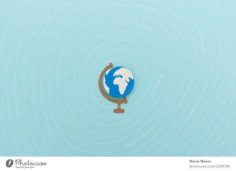 Gebastelter Papierschnitt Globus auf hellblauem Hintergrund exotisch Ferien & Urlaub & Reisen Ferne Freiheit Expedition entdecken ästhetisch frei Unendlichkeit