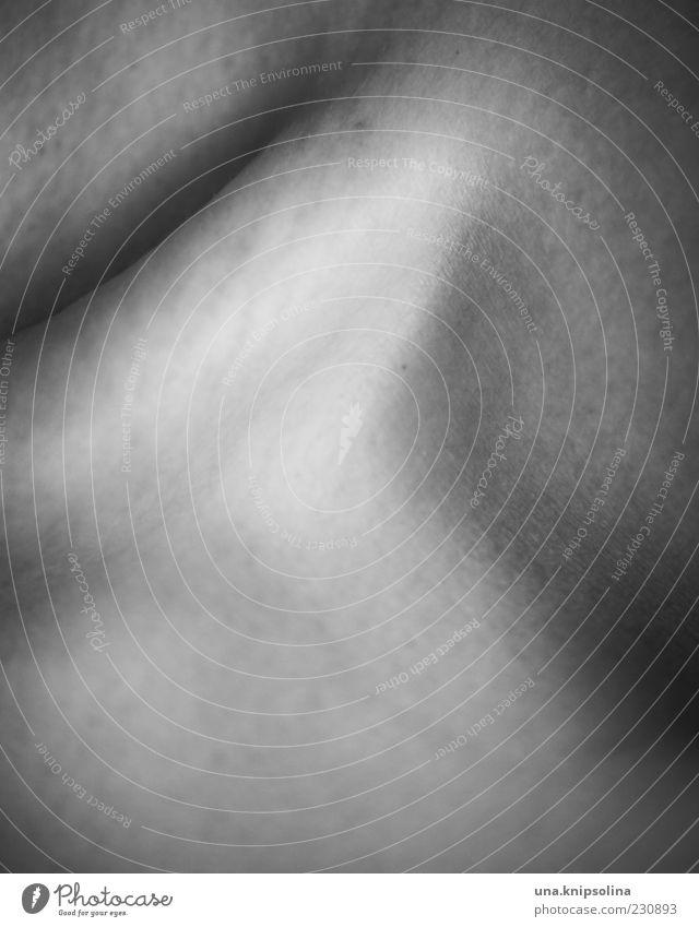 bone Haut Schlüsselbein 1 Mensch 18-30 Jahre Jugendliche Erwachsene dünn Körperteile Schwarzweißfoto Nahaufnahme Detailaufnahme Licht Schatten