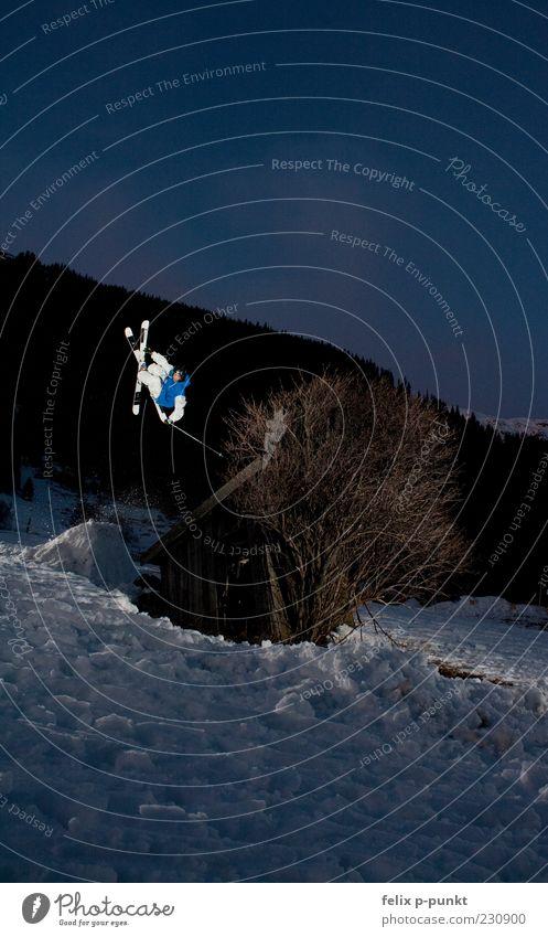 hutspin Lifestyle elegant Stil Freude Glück Sport Fitness Sport-Training Wintersport Sportler Skifahren Halfpipe Mensch maskulin 1 drehen springen Extremsport