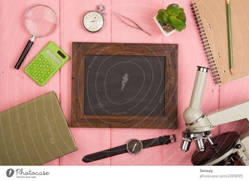 Bildungskonzept Schreibtisch Tisch Wissenschaften Schule lernen Klassenraum Tafel Studium Labor Buch Bibliothek Mikroskop Holz schreiben gelb Weisheit ausbilden