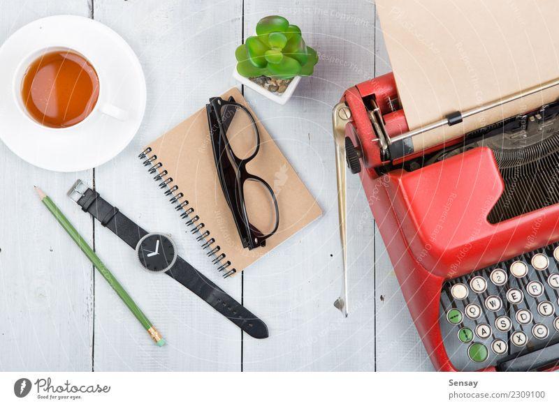 weiß rot Freude Stil Business Schule Denken Arbeit & Erwerbstätigkeit Design Büro retro Kreativität Tisch lernen Buch Papier