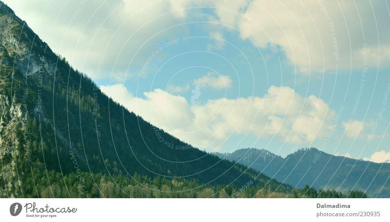 Bergische Idylle Umwelt Natur Landschaft Himmel Wolken Baum Wald Berge u. Gebirge Alpen ästhetisch blau grün weiß Gipfel Berghang Umweltschutz Schönes Wetter