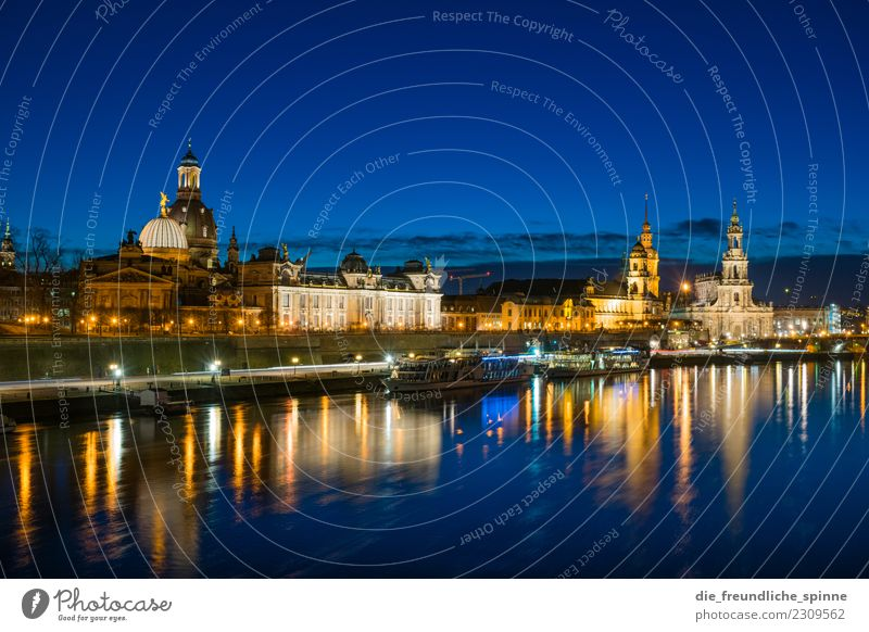 Dresden Panorama Stadt Architektur Tourismus Deutschland Europa historisch Sehenswürdigkeit Wahrzeichen Städtereise Altstadt Stadtzentrum Sightseeing Dom
