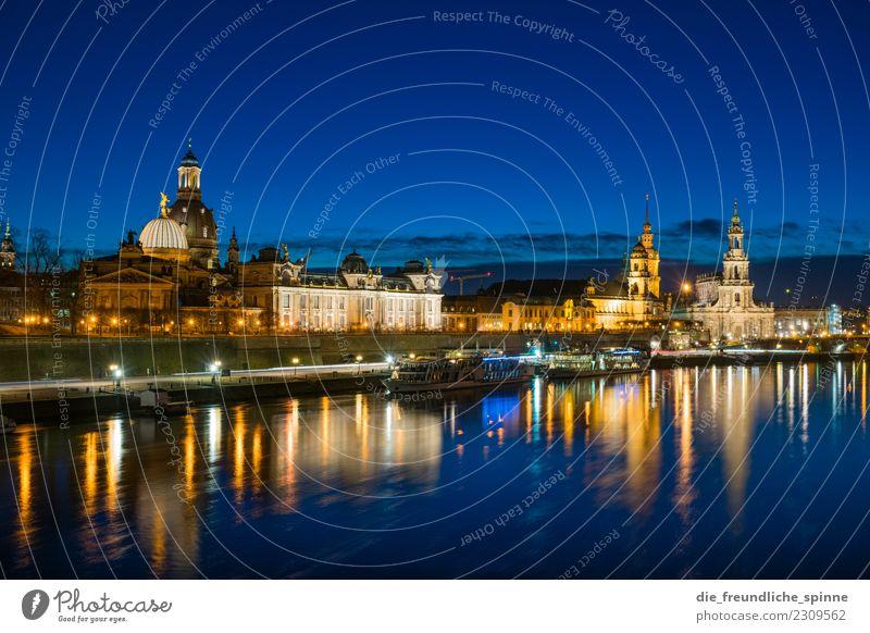 Dresden Panorama Tourismus Sightseeing Städtereise Architektur Sachsen Deutschland Europa Stadt Stadtzentrum Sehenswürdigkeit Wahrzeichen Frauenkirche Hofkirche