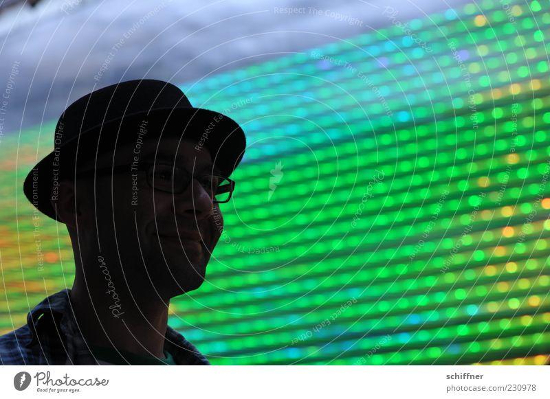 KAmiKAze - Grinse Mensch Mann Jugendliche grün Erwachsene Gesicht Kopf Stil lachen maskulin Coolness leuchten Brille Körperhaltung Freundlichkeit Hut