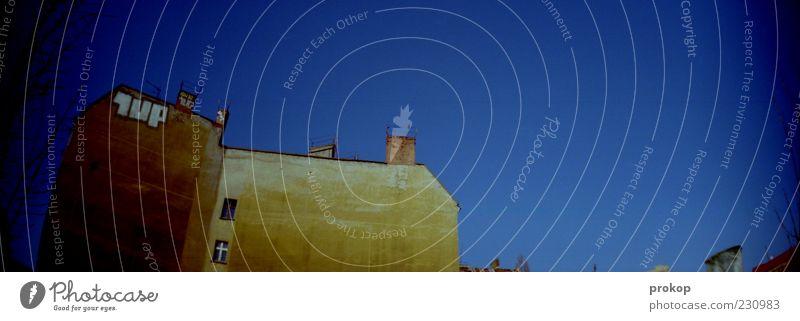 Fhainkost Himmel Wolkenloser Himmel Schönes Wetter Skyline Haus Bauwerk Gebäude Architektur Mauer Wand Dach Schornstein einfach frei hoch schön modern