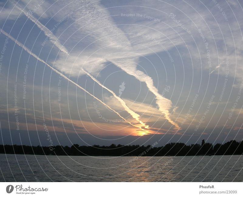 schipholluft Luft Sonnenuntergang Schiphol Flughafen Abdeckung Wasser sonsuntergang schemerung fliegteugstrefen air water Silhouette